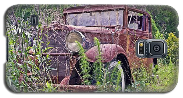 Galaxy S5 Case featuring the photograph Vintage Automobile by Susan Leggett