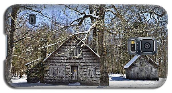 Vintage Buildings In The Winter Snow Galaxy S5 Case