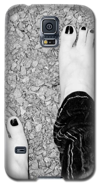 Galaxy S5 Case featuring the photograph Walking Barefoot by Ester  Rogers