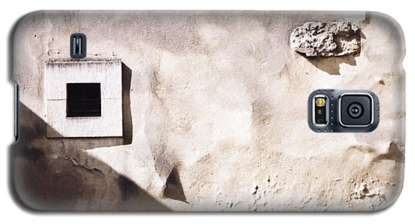 Wall With Square Hole Galaxy S5 Case by Agnieszka Kubica