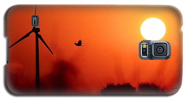 Watching The Sunrise Galaxy S5 Case by Elizabeth Budd