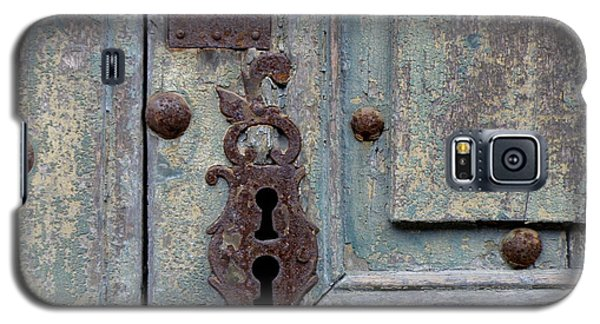 Galaxy S5 Case featuring the photograph Weathered by Lainie Wrightson