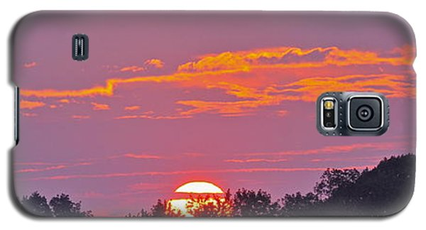 Galaxy S5 Case featuring the photograph Wheels Of Fire In Connecticut Sky by Cindy Lee Longhini