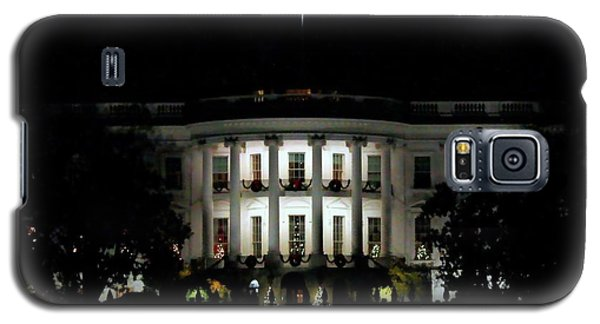 Galaxy S5 Case featuring the photograph White House In December by Suzanne Stout