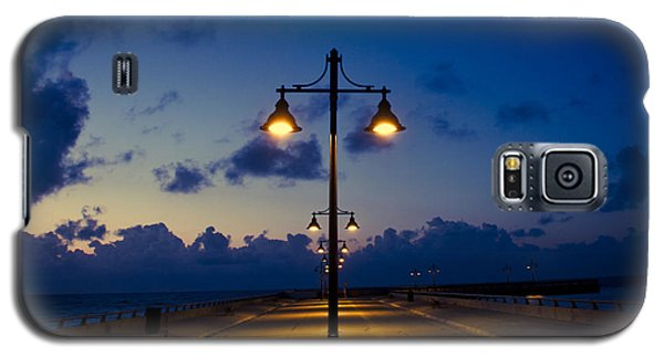 White Street Pier Lights Galaxy S5 Case