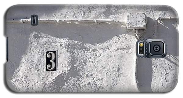 Galaxy S5 Case featuring the photograph White Wall With Number 3 Plate by Agnieszka Kubica