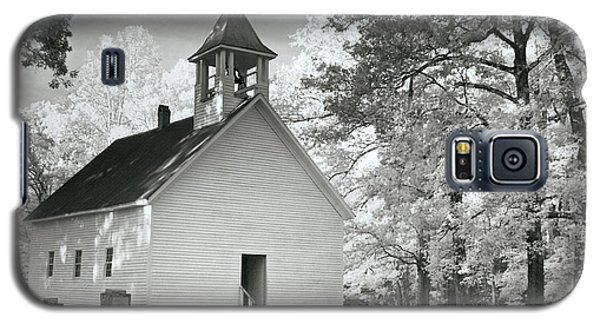 Galaxy S5 Case featuring the photograph Wildwood Church by Mary Almond