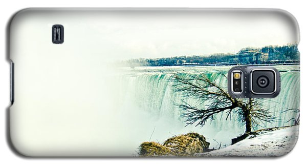 Galaxy S5 Case featuring the photograph Wonder by Sara Frank