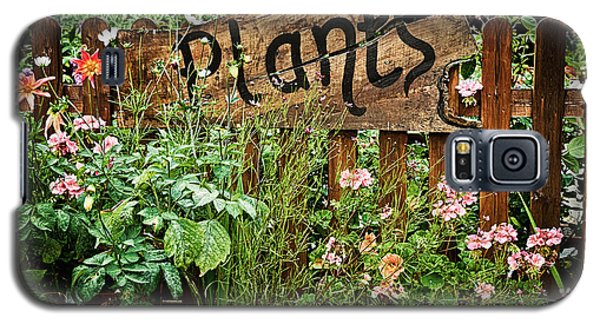 Garden Galaxy S5 Case - Wooden Plant Sign In Flowers by Simon Bratt Photography LRPS