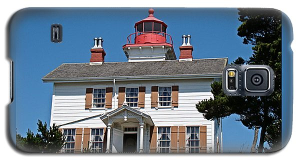 Galaxy S5 Case featuring the photograph Yaquina Bay Lighthouse by Nick Kloepping