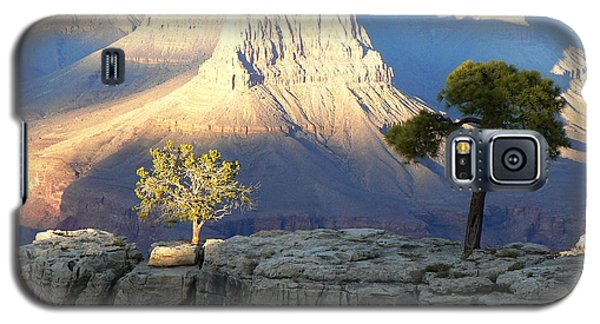 Galaxy S5 Case featuring the photograph Yavapai Point Cliff Hangers by Scott Rackers