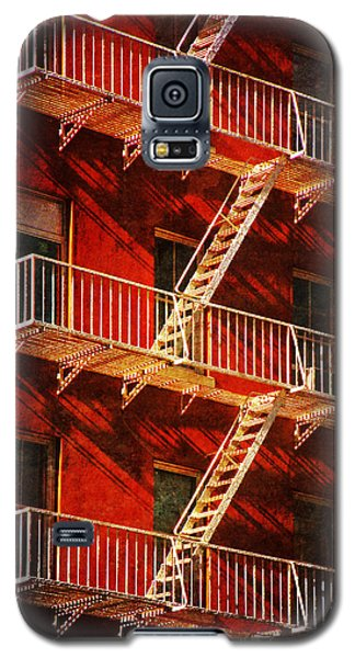 Galaxy S5 Case featuring the photograph York Avenue by Deborah Smith