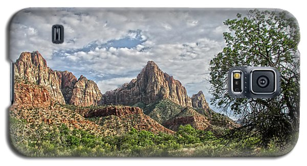 Galaxy S5 Case featuring the photograph Zion National Park by Anne Rodkin