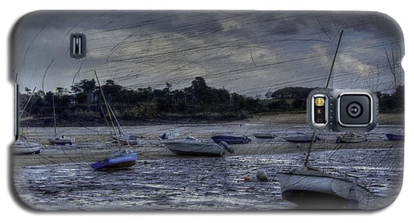 Boats On The Beach In November Galaxy S5 Case by Karo Evans