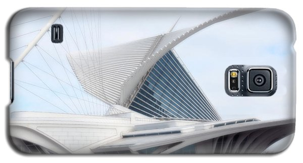Galaxy S5 Case featuring the photograph  Milwaukee Art Museum by Kay Novy