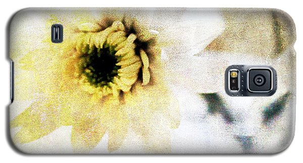 White Flower Galaxy S5 Case by Linda Woods