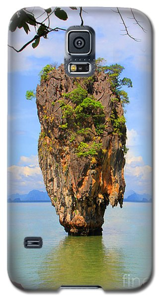 007 Island Galaxy S5 Case by Mark Ashkenazi