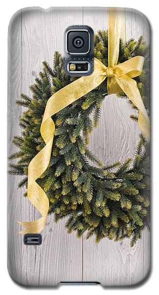 Galaxy S5 Case featuring the photograph Advents Wreath by Ulrich Schade