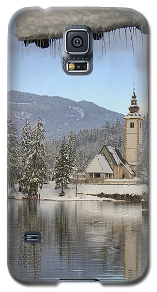 Galaxy S5 Case featuring the photograph Alpine Winter Clarity by Ian Middleton