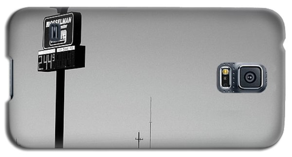 Galaxy S5 Case featuring the photograph American Interstate - Kansas I-70 Bw 4 by Frank Romeo