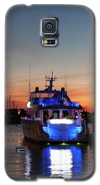 Galaxy S5 Case featuring the photograph An Evening In Newport Rhode Island by Suzanne Gaff