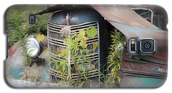 Galaxy S5 Case featuring the photograph Antique Mack Truck by Charles Harden