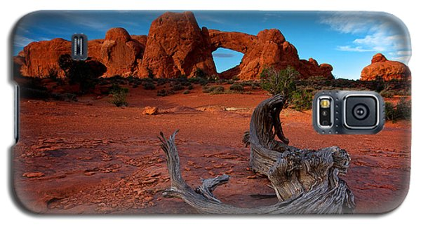Galaxy S5 Case featuring the photograph Arches by Evgeny Vasenev