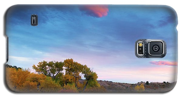 Galaxy S5 Case featuring the photograph Autumn Days by Tim Reaves