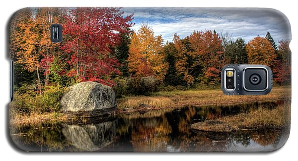Galaxy S5 Case featuring the photograph Autumn In Maine by Greg DeBeck