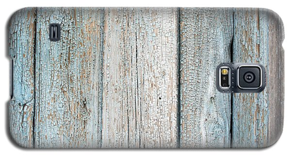 Galaxy S5 Case featuring the photograph Blue Fading Paint On Wood by John Williams