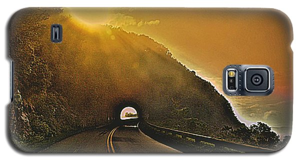 Galaxy S5 Case featuring the photograph Blue Ridge Parkway by Janice Spivey