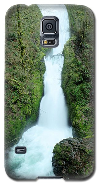 Galaxy S5 Case featuring the photograph Bridal Veil Falls by Jeff Swan