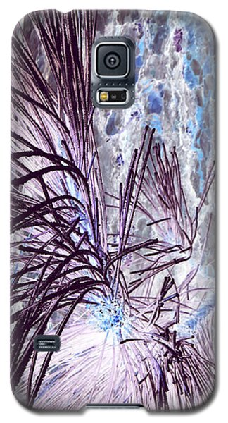 Galaxy S5 Case featuring the photograph Burst by Jamie Lynn