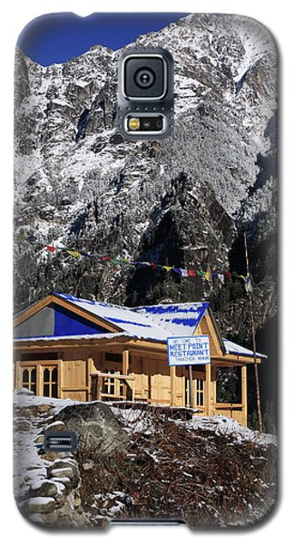 Galaxy S5 Case featuring the photograph Meeting Point Mountain Restaurant by Aidan Moran