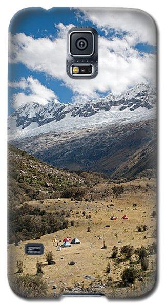 Camping In Huaripampa Valley Galaxy S5 Case