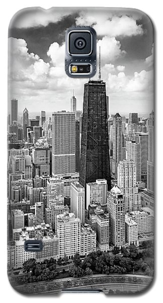Galaxy S5 Case featuring the photograph Chicago's Gold Coast by Adam Romanowicz
