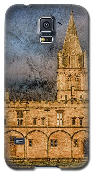 Galaxy S5 Case featuring the photograph Oxford, England - Christ Church College by Mark Forte