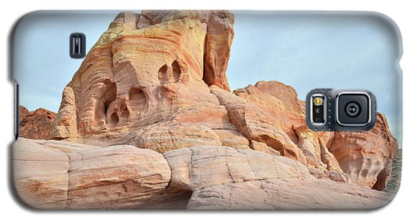 Galaxy S5 Case featuring the photograph Colored Castle In Valley Of Fire by Ray Mathis
