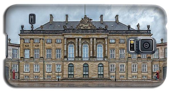 Galaxy S5 Case featuring the photograph Copenhagen Amalienborg Palace by Antony McAulay