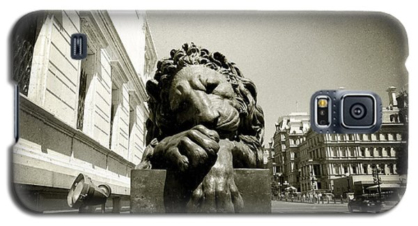Galaxy S5 Case featuring the photograph Corcoran Lion by Victoria Lakes
