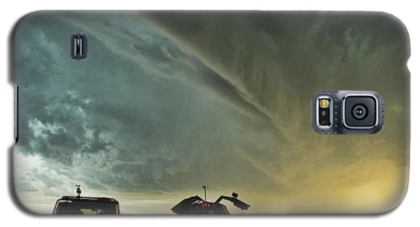 Galaxy S5 Case featuring the photograph Dominating The Storm by Ryan Crouse
