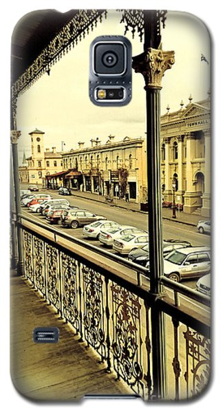 Galaxy S5 Case featuring the photograph Downtown Daylesford II by Chris Armytage