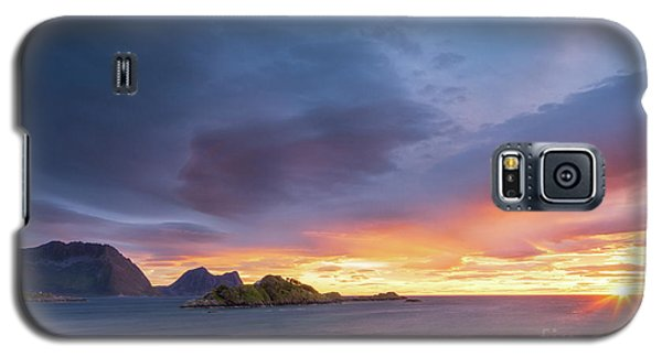 Galaxy S5 Case featuring the photograph Dreamy Sunset by Maciej Markiewicz
