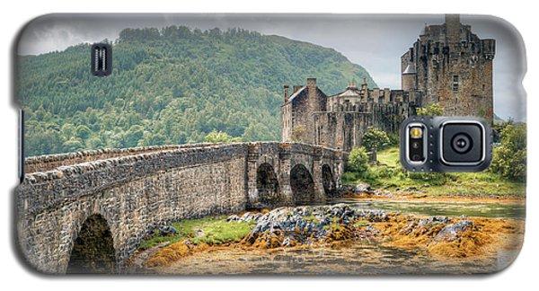 Eilean Donan Castle Galaxy S5 Case by Ray Devlin