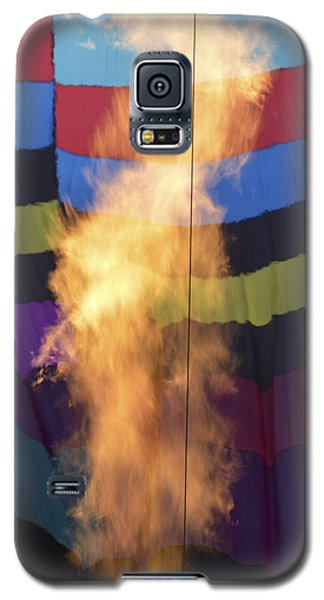 Galaxy S5 Case featuring the photograph Firing Up by Linda Geiger