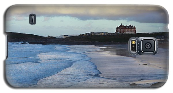 Galaxy S5 Case featuring the photograph Fistral Beach by Nicholas Burningham