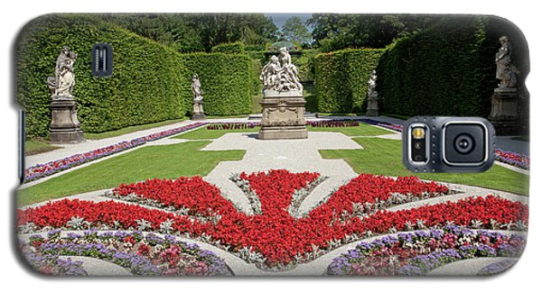 Flowerbeds And Sculptures In Eastern Parterre Galaxy S5 Case