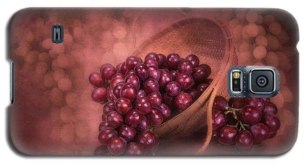 Grapes In Wicker Basket Galaxy S5 Case by Tom Mc Nemar