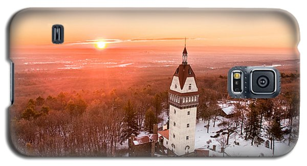 Galaxy S5 Case featuring the photograph Heublein Tower In Simsbury, Connecticut by Petr Hejl