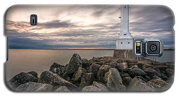 Huron Harbor Lighthouse Galaxy S5 Case by James Dean